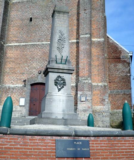 Monument aux morts de Fontaine au Bois ~ Fontaine Au Bois