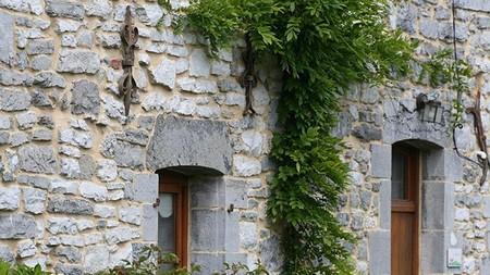 Villes villages de l 39 avesnois paysages patrimoine tourisme - Maison en moellon ...